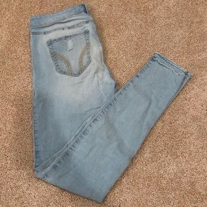 Hollister skinny jeans with rip on one knee